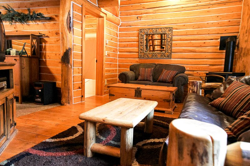 The Cottonwood Cabin {Afton, Wyoming Lodging}